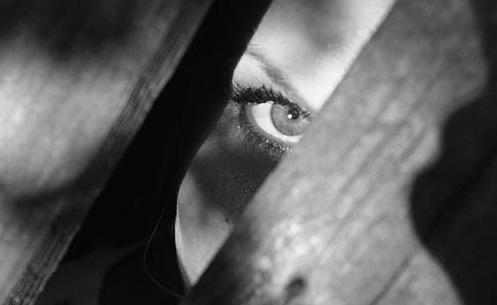كيفية التخلص من الهالات السوداء تحت العين نهائياً