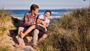 كيف تتعامل مع ابنك الذكر في سن المراهقة؟